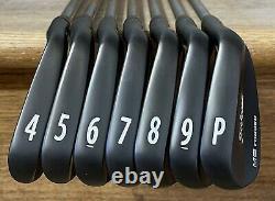 Titleist 712 MB Forged Iron Set (4-PW) RH Xtreme Dark Finish CHR